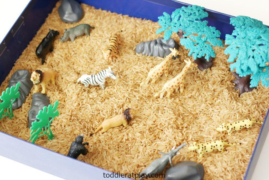 safari sensory bin (5)