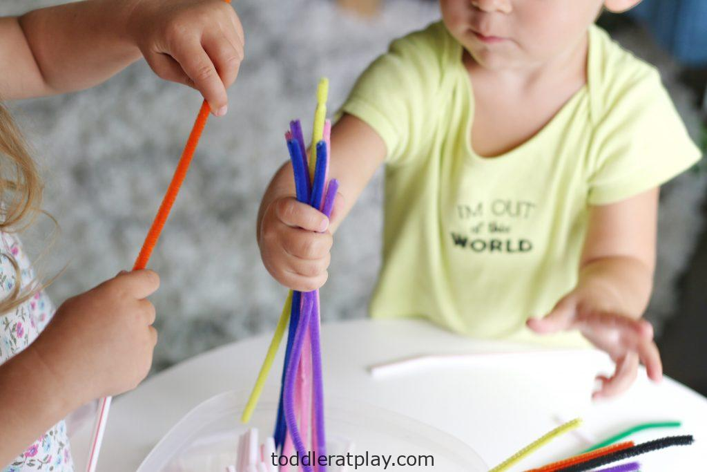 pipecleaner and straws (5)