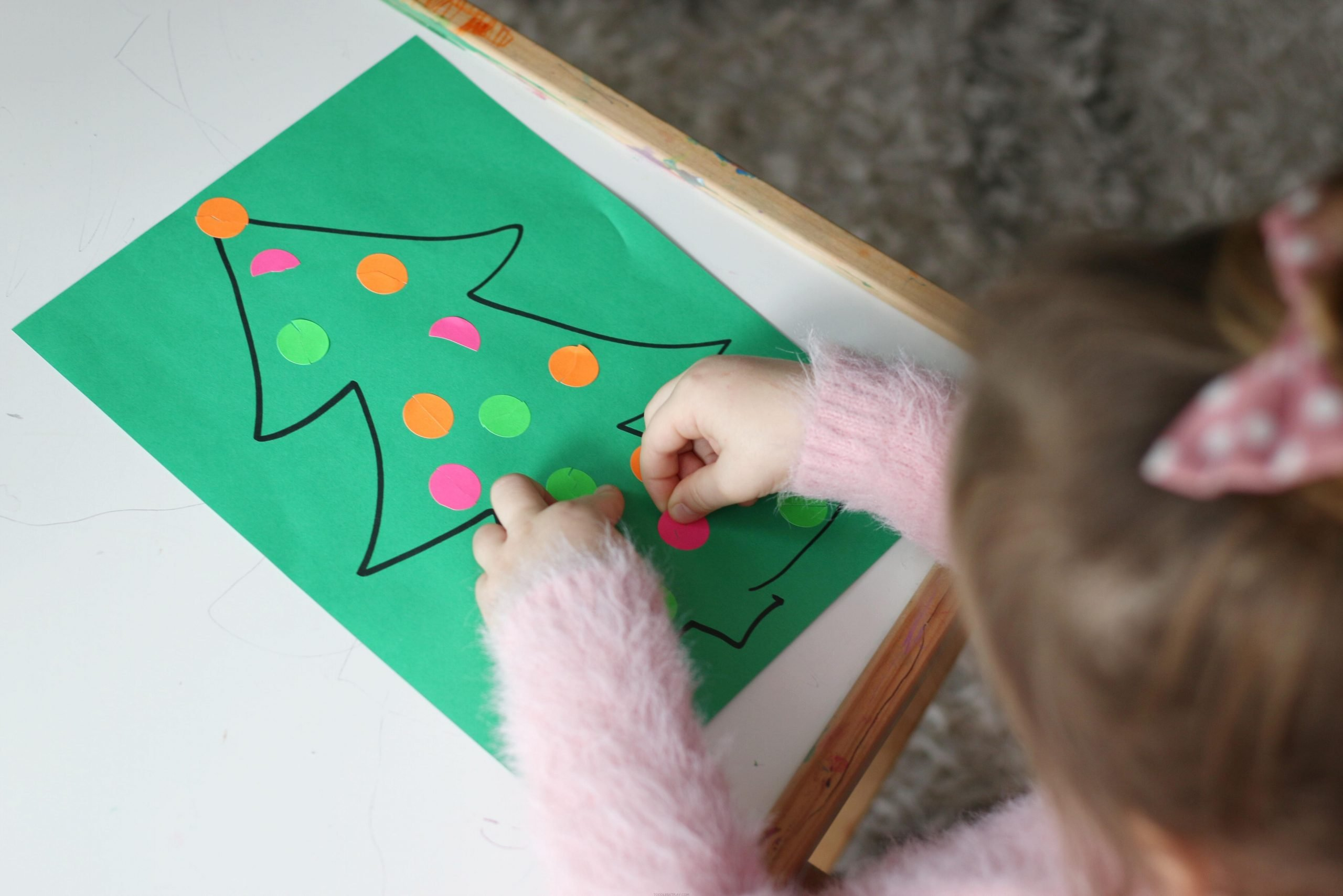 Dot Sticker Ornament Match Activity