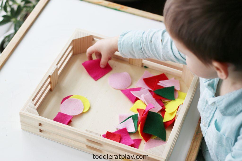 felt shapes sorting- toddler at play (1)