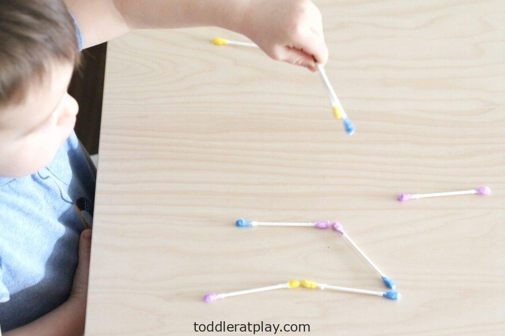 q-tip color dominoes- toddler at play (2)