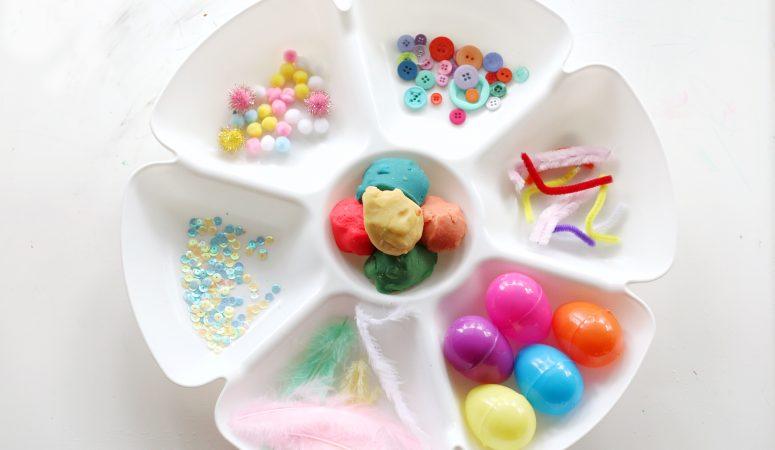 Spring Play-dough Tray (Invitation to Play & Create)