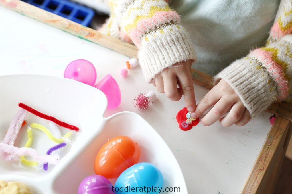 spring play-dough tray-toddler at play (2)
