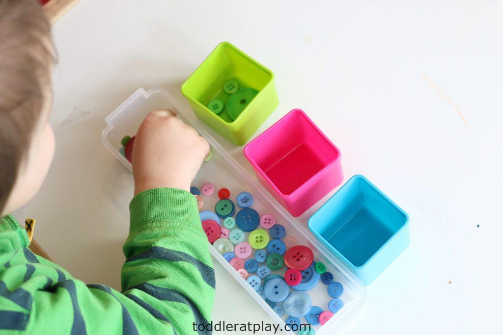 button color sort- toddler at play (14)