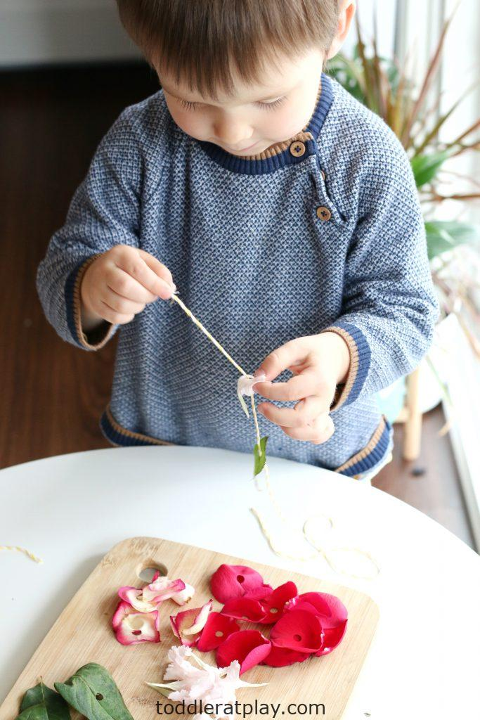 flower threading activity- toddler at play (7)