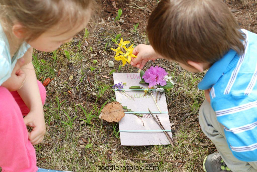 nature hunt activity- toddler at play (16)