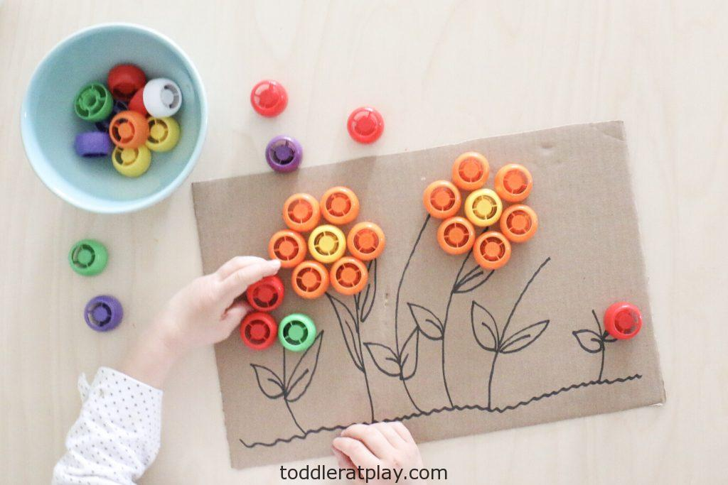 pouch lid flower activity- toddler at play (7)