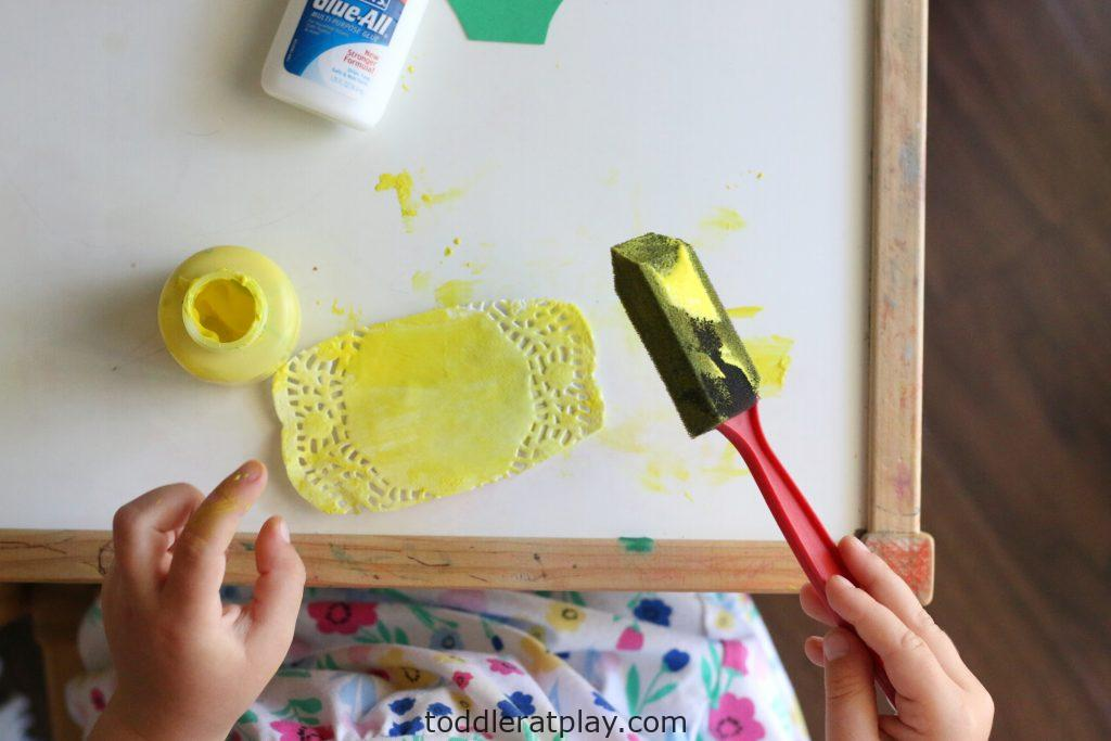 doily pineapples- toddler at play (6)