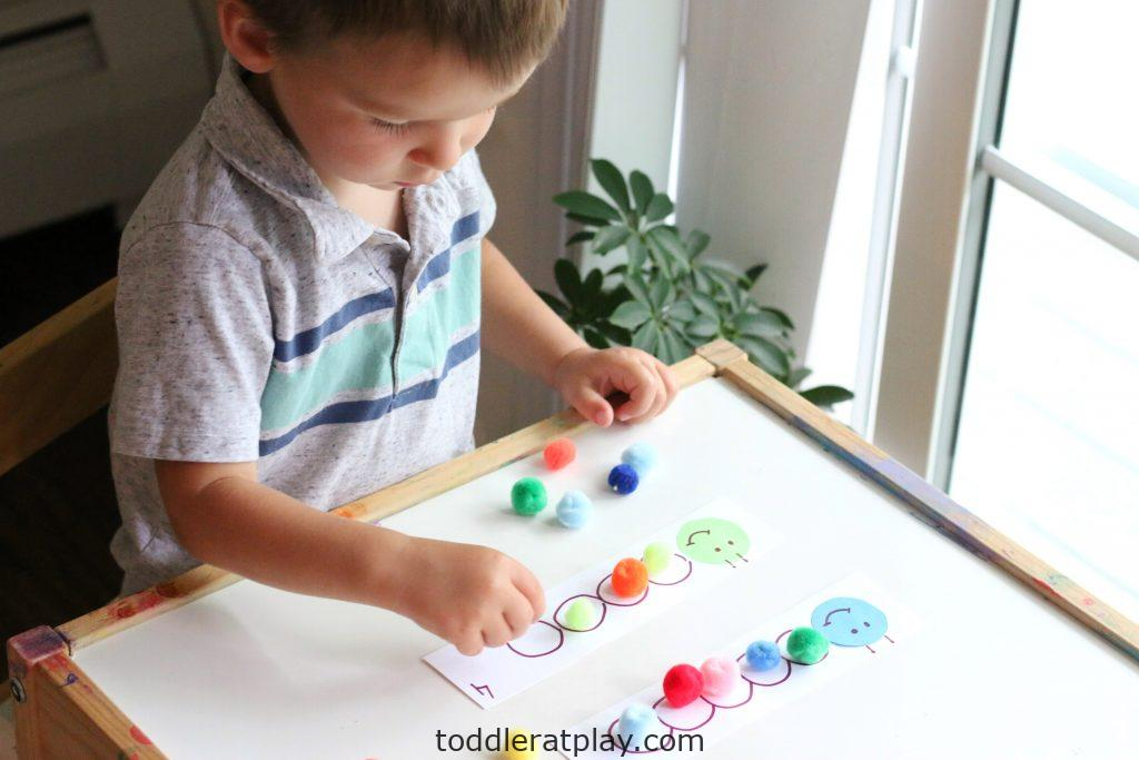 pompom caterpillars counting activity - toddler at play (3)