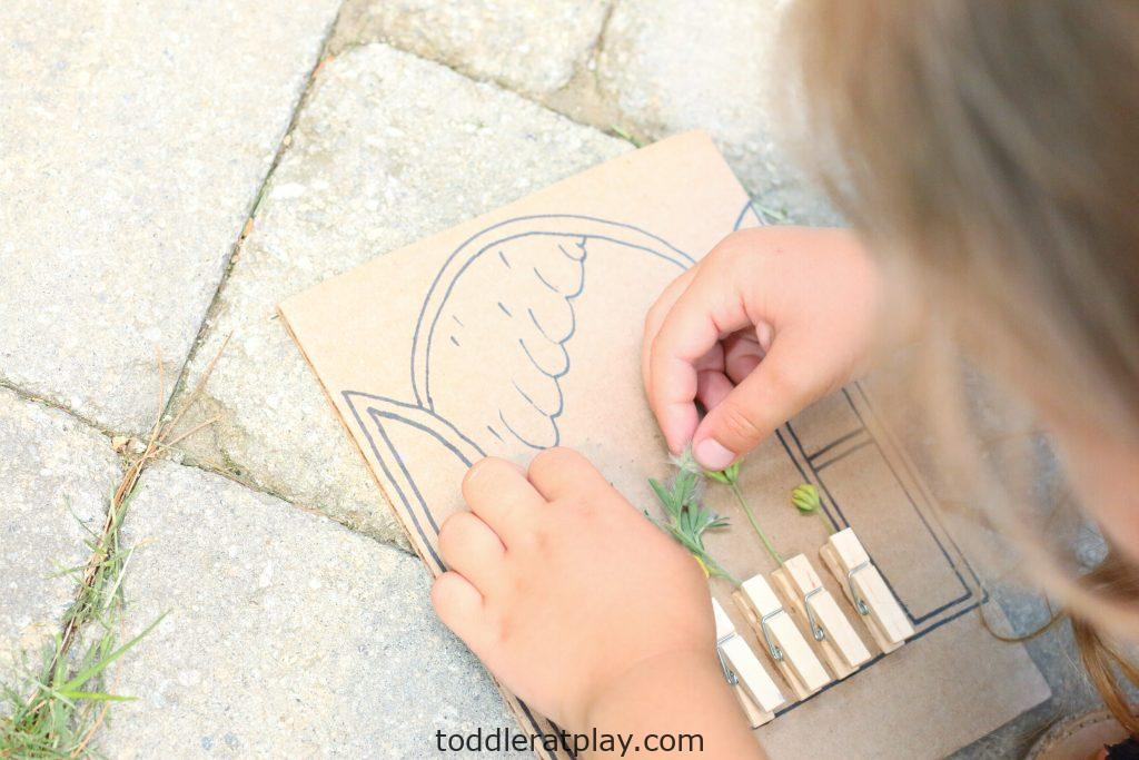 cardboard window wildflower craft- toddler at play (1)
