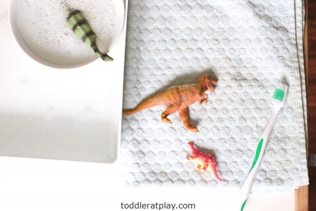 dino wash- toddler at play (8)