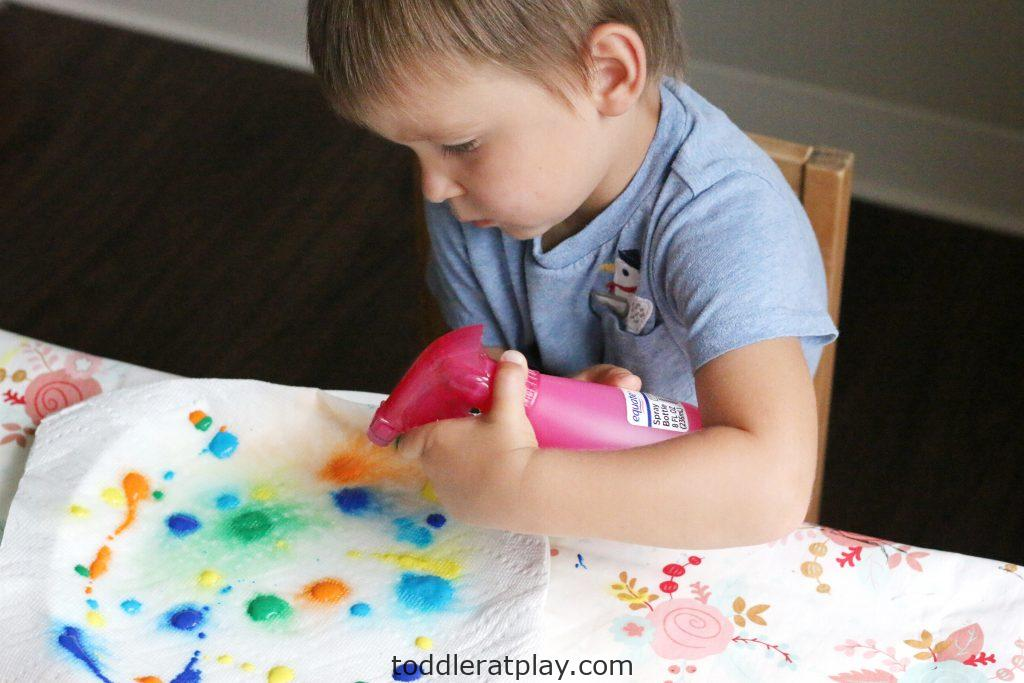 paper towel color mixing- toddler at play (12)