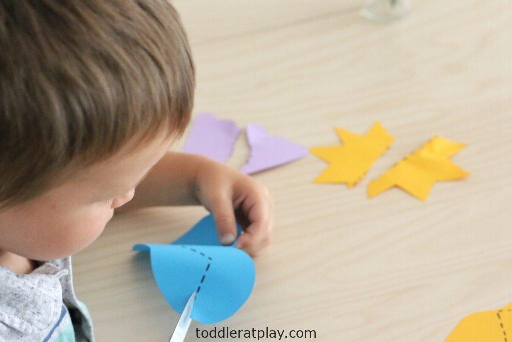 summer scissor skills- toddler at play (11)