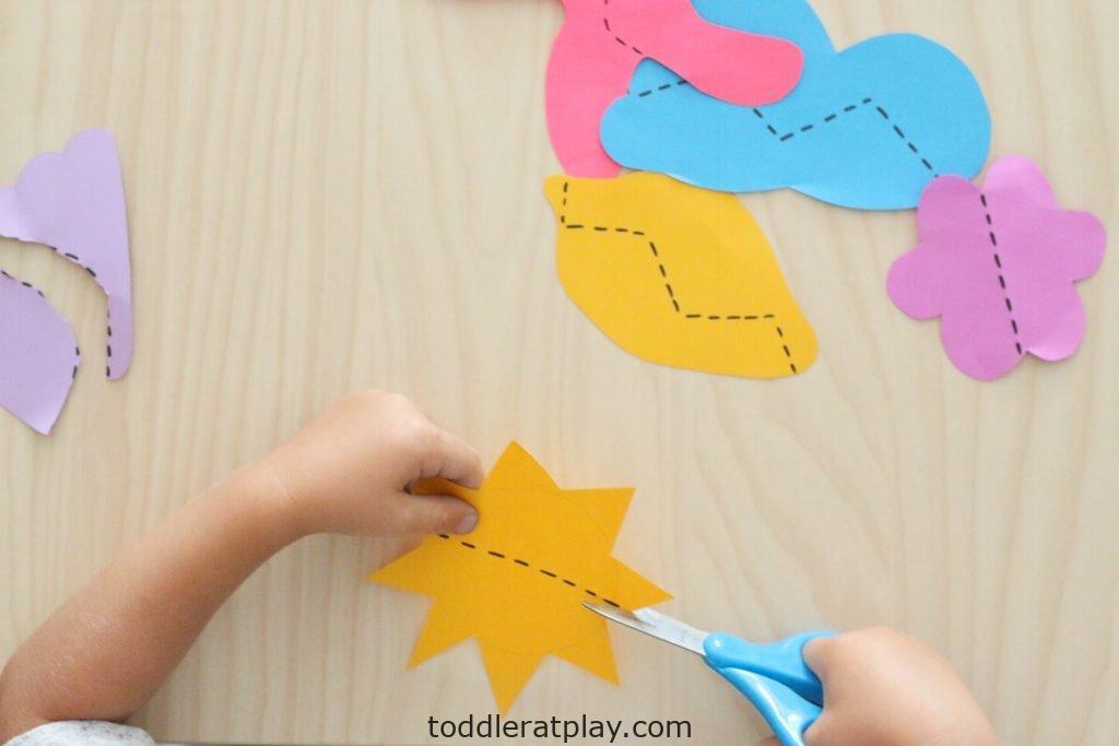 summer scissor skills- toddler at play (3)
