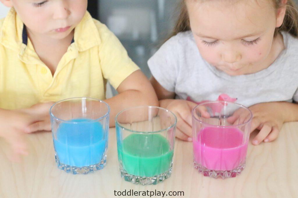 paper towel dye experiment- toddler at play (10)