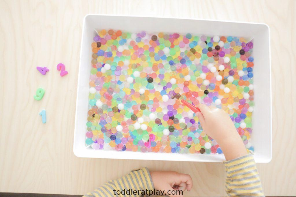 water beads number find- toddler at play (3)