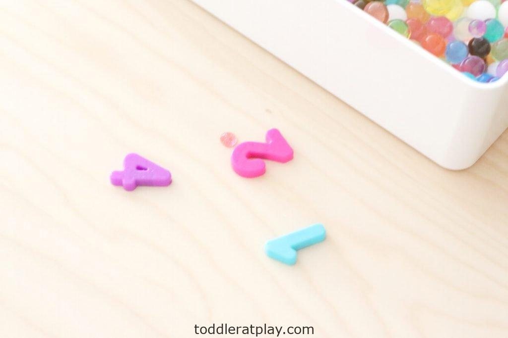water beads number find- toddler at play (9)