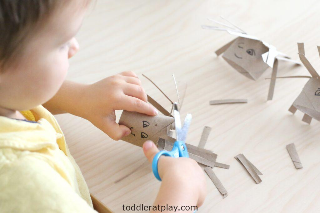 silly paper roll haircuts- toddler at play (6)