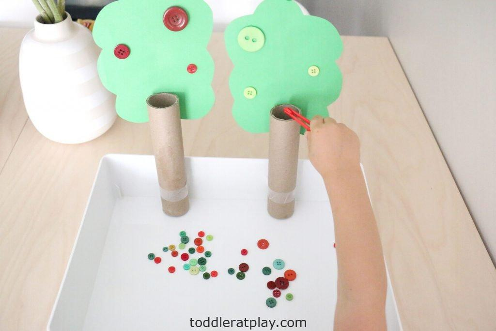 apple tree button color sort- toddler at play (4)