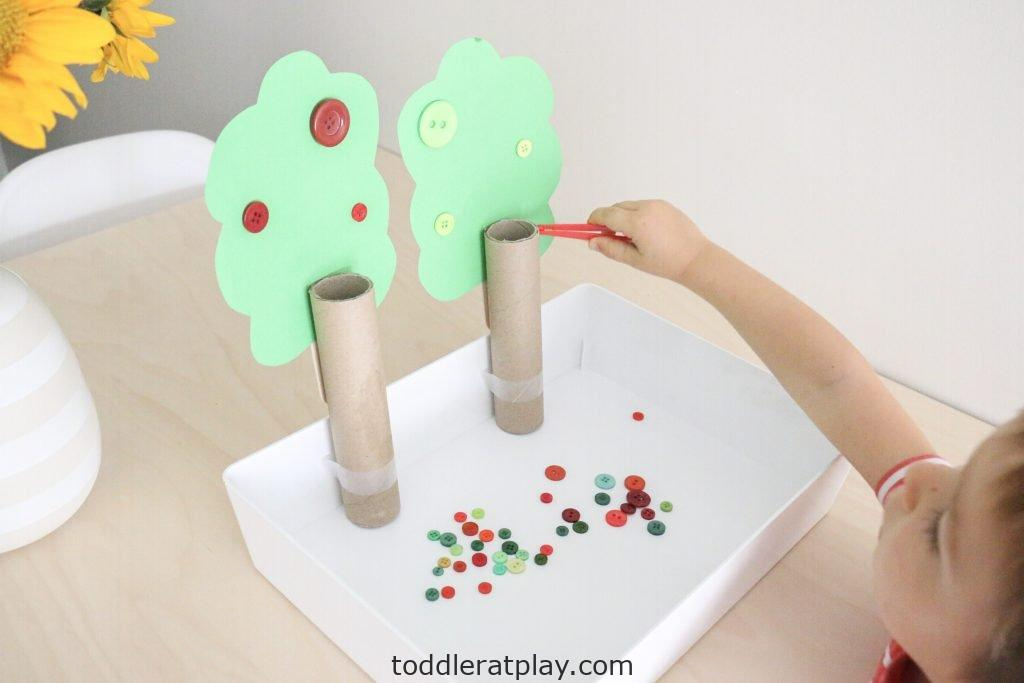 apple tree button color sort- toddler at play (5)