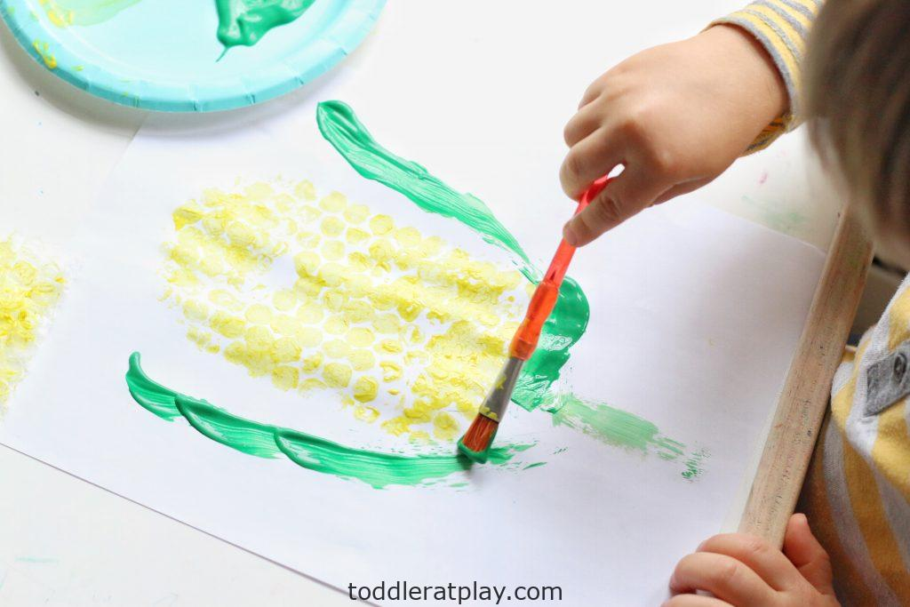 bubble wrap corn craft- toddler at play (14)