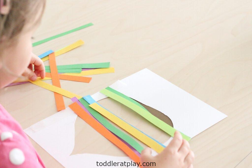 paper strip acorn craft- toddler at play (6)