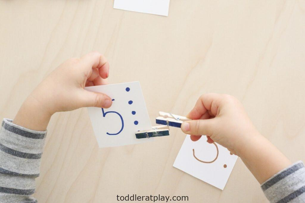 clothespin counting cards- toddler at play (7)