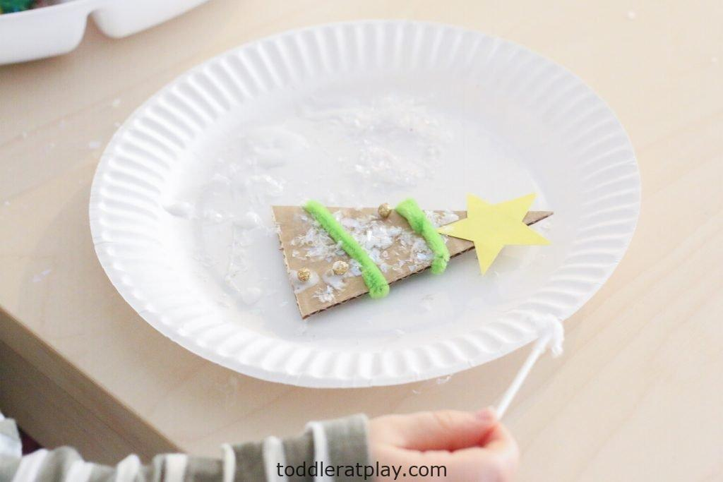 decorate a christmas tree tray- toddler at play (9)
