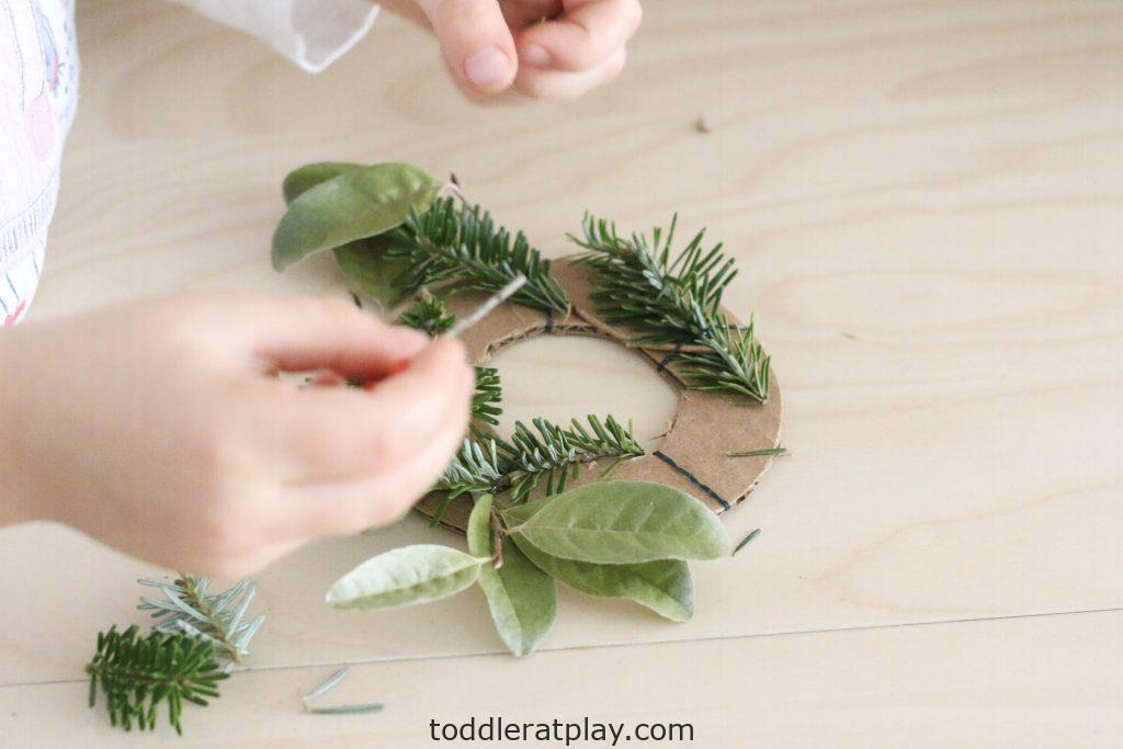 mini christmas wreaths- toddler at play (13)