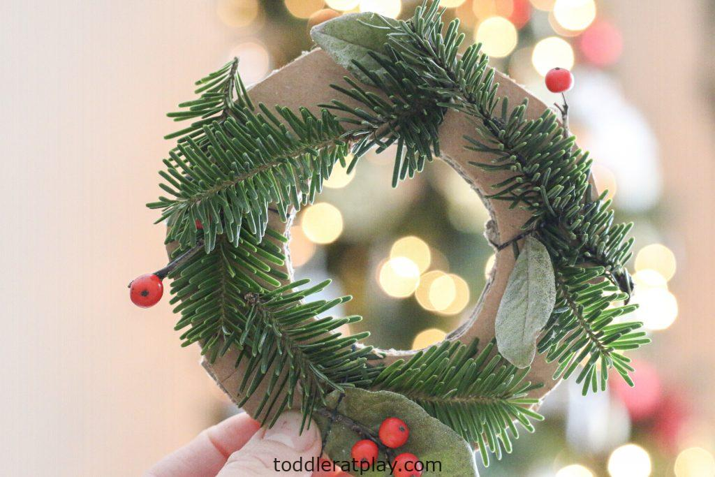 mini christmas wreaths- toddler at play (14)