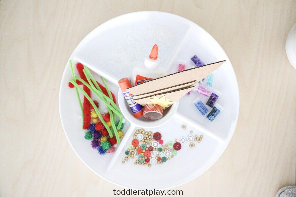 decorate a christmas tree tray- toddler at play (11)