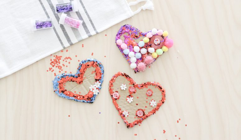 Decorate a heart: invitation to create