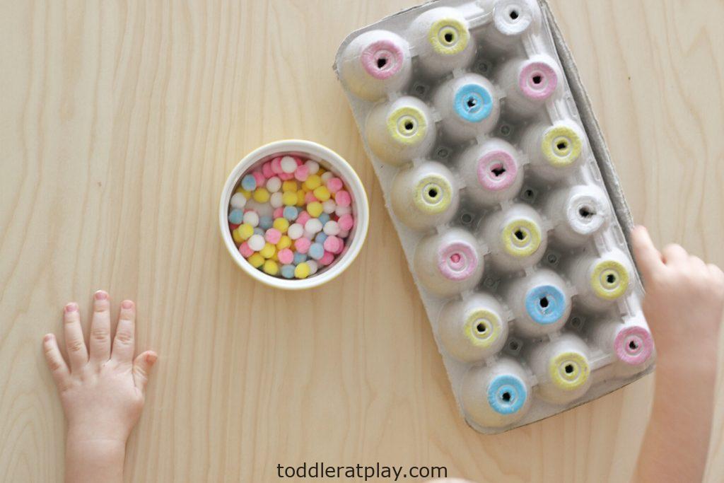egg carton pom-pom color sort (1)