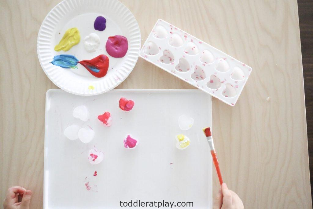 painting heart ice cubes- toddler at play (17)