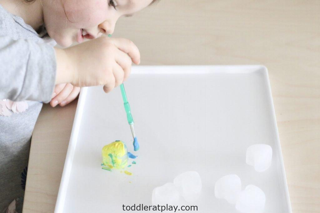painting heart ice cubes- toddler at play (9)