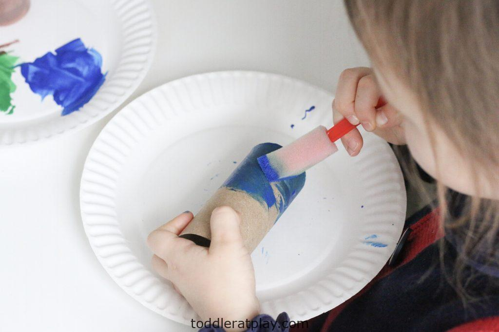 paper roll telescopes -toddler at play (2)