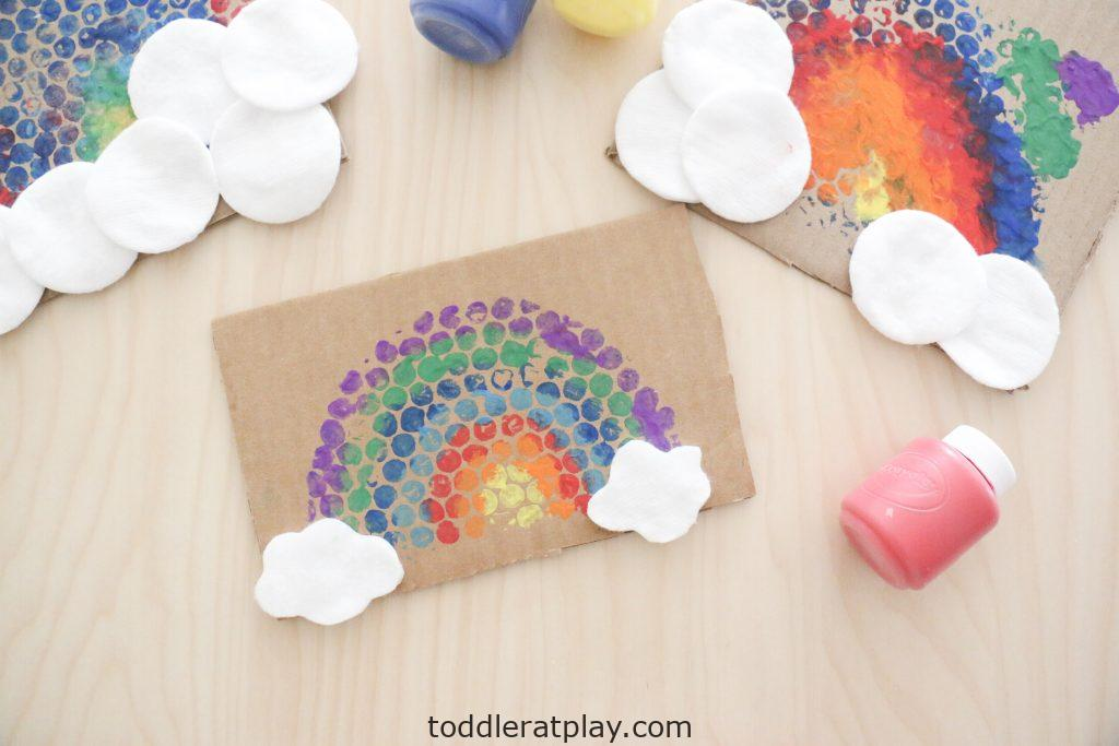 bubble wrap rainbow craft- toddler at play (3)