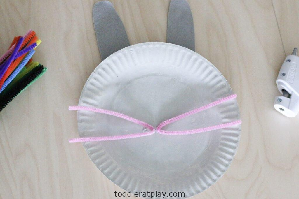 paper plate bunny craft- toddler at play (5)