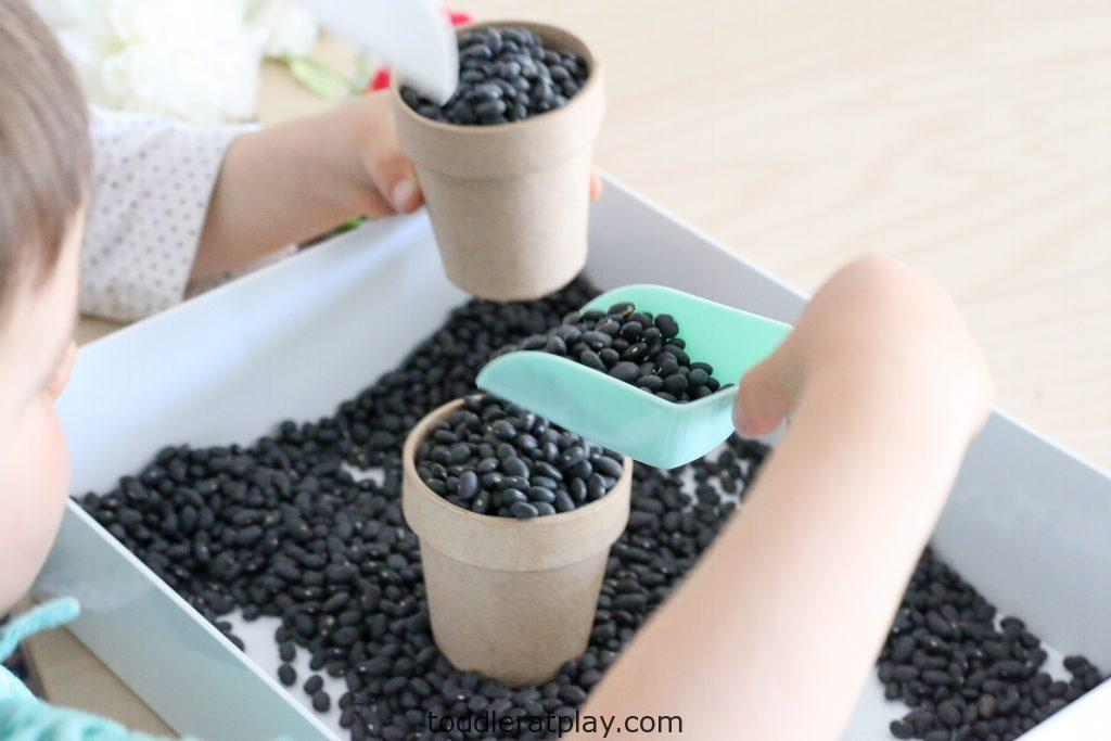 gardening sensory bin- toddler at play (1)