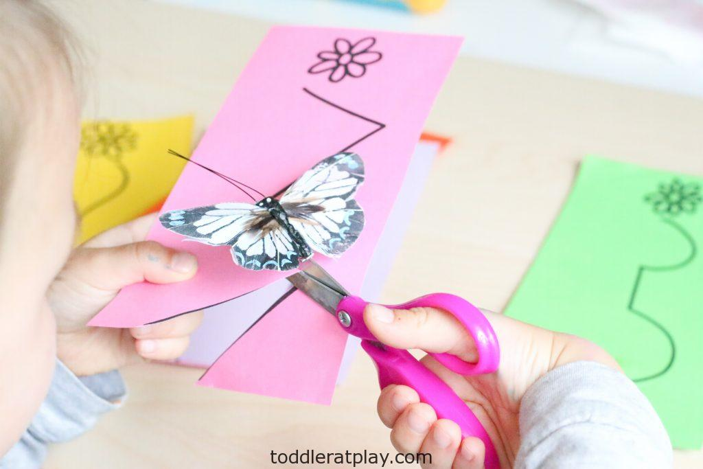 butterfly scissor skills activity - toddler at play (3)