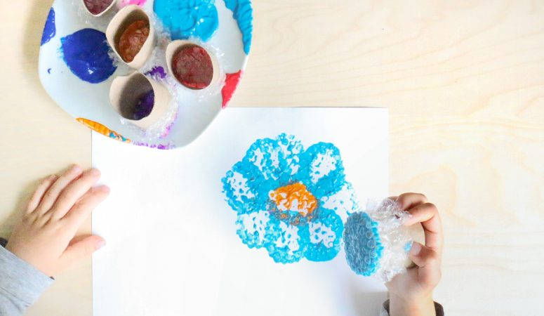 DIY Bubble Wrap Stamp Art
