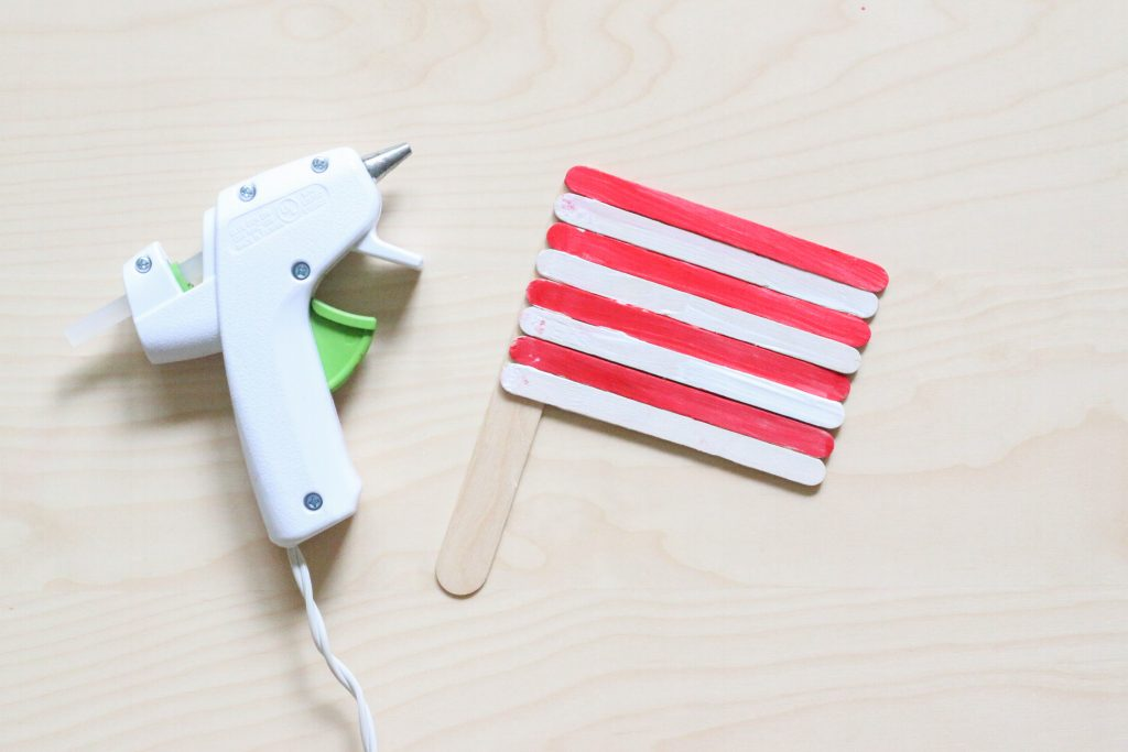 popsicle stick american flag craft - toddler at play (7)