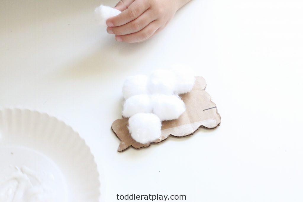 cardboard sheep craft- toddler at play (1)
