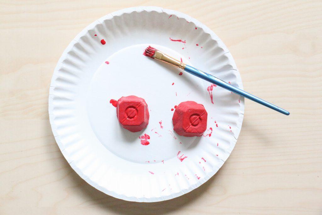 egg carton mushroom craft- toddler at play (6)