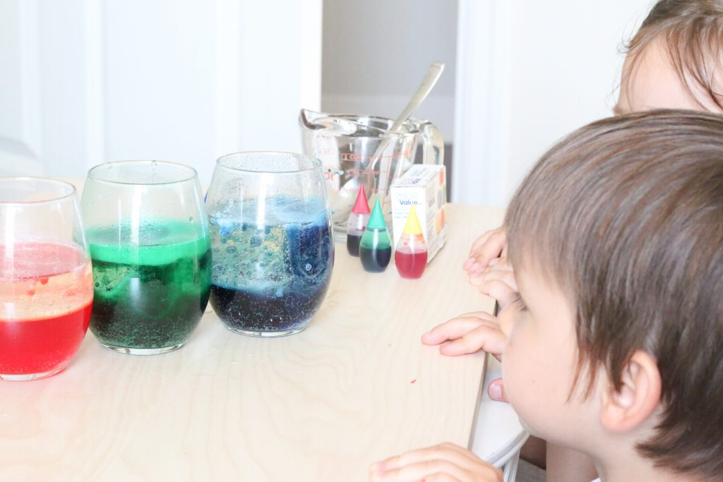 lava lamp experiment - toddler at play (1)
