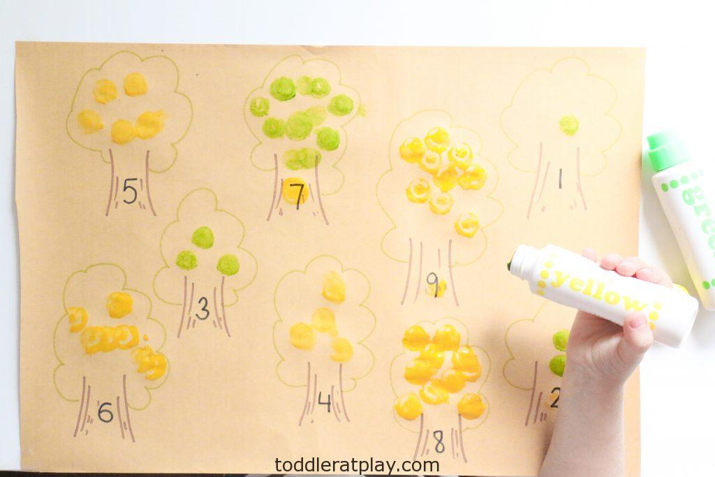apple tree counting activity - toddler at play (5)