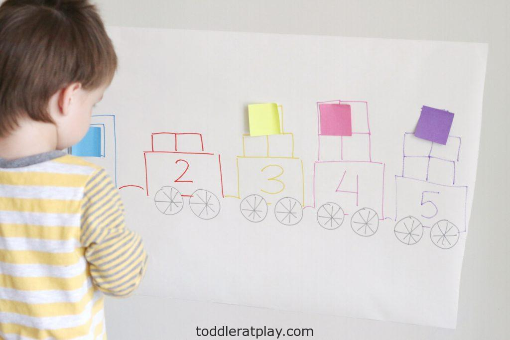 counting train using post-it notes- toddler at play (5)