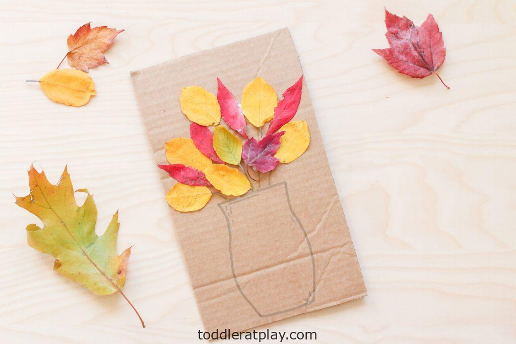 fall bouquet craft - toddler at play (4)