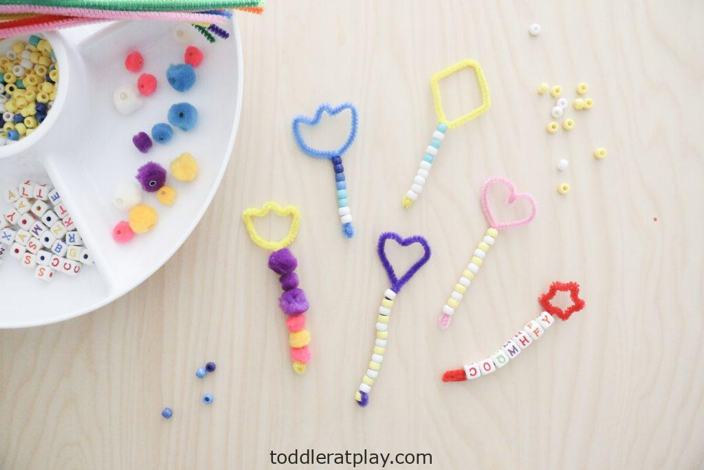 diy bubble wands- toddler at play (4)