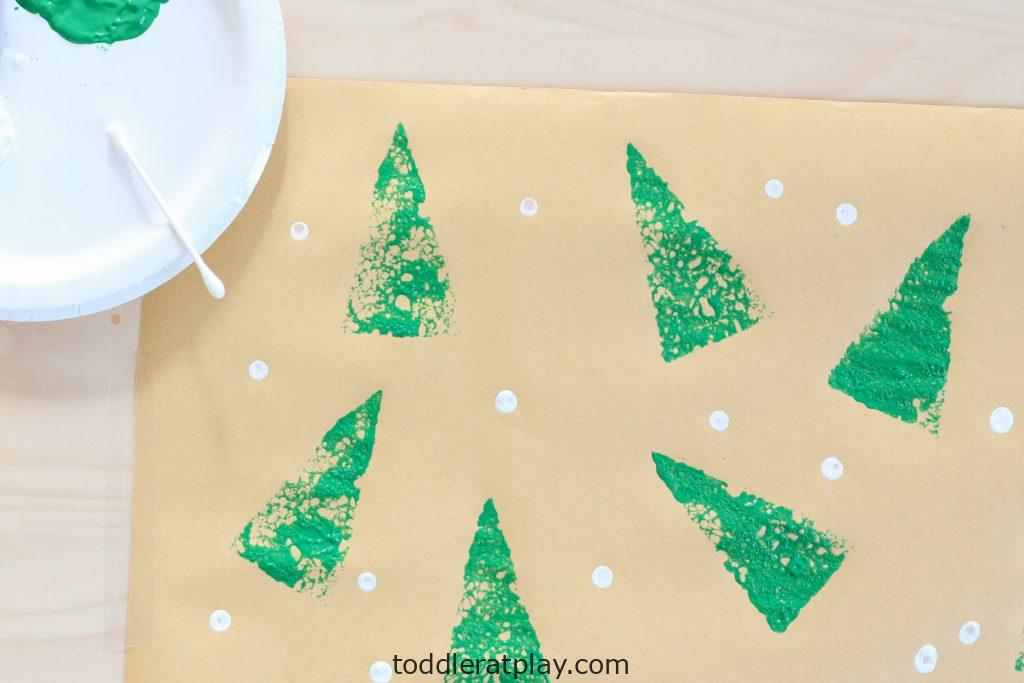 diy christmas wrapping paper- toddler at play (5)